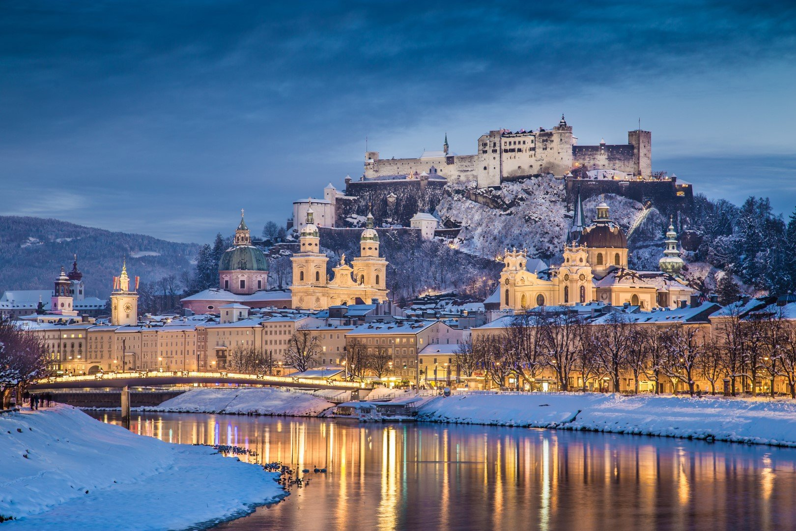 Discover the charming birth place of Wolfgang Amadeus Mozart, enjoy winter wonderland in the Lake Region and visit the most beautiful Christmas market of Austria.